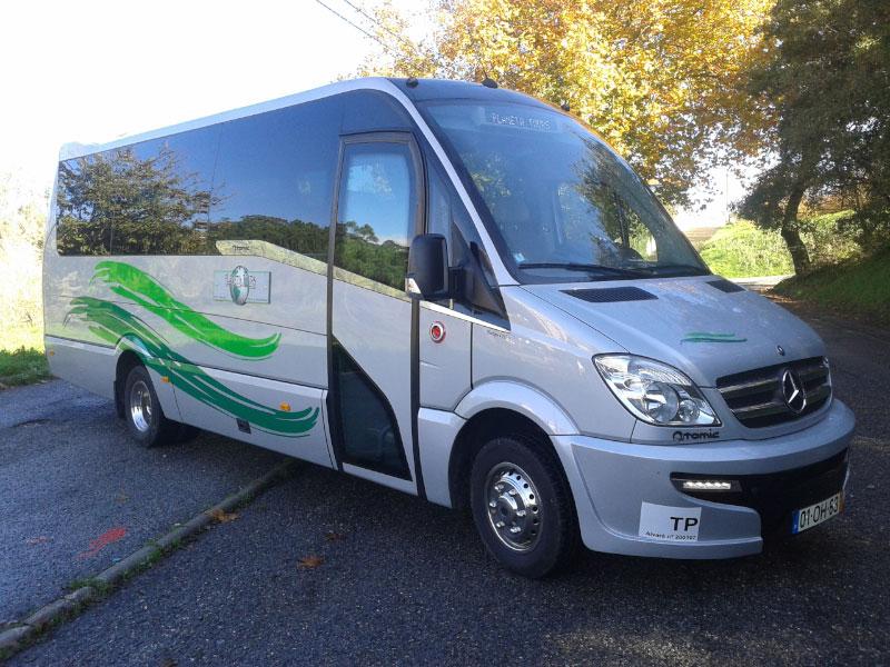 Mini-bus de 17 lugares
